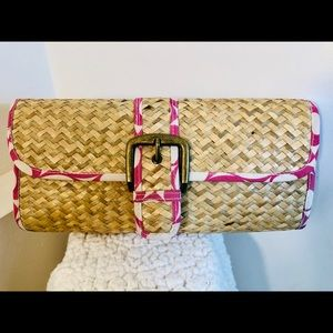 Straw Clutch with Faux Buckle close - Pink Fabric